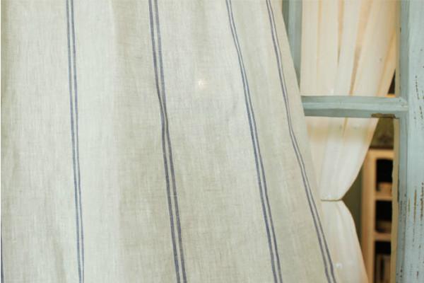 家全体の統一感は、カーテンの柄の使い方が大切