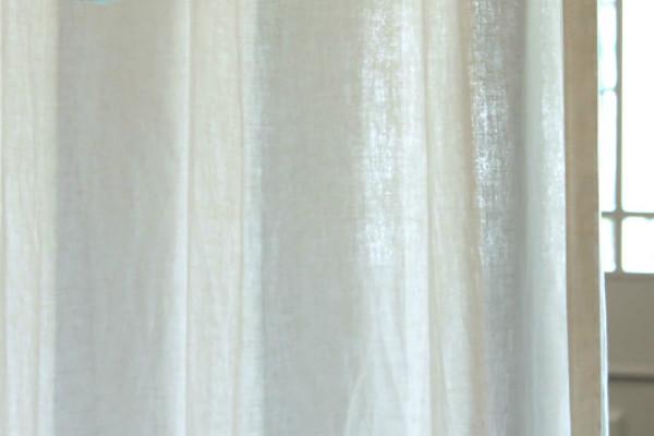 天然か合成か?素材で考えるカーテンの選び方