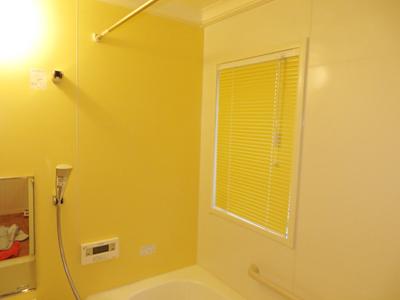 浴室用ブラインド。浴室のお窓にもブラインドがつけれるんです!