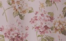 花柄のドレープカーテン