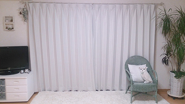カーテンズの1級遮光&防炎カーテン|フルーティ ホワイト